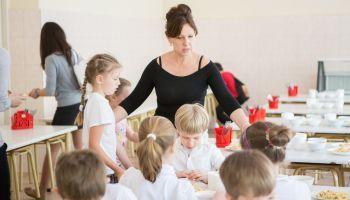 Curso Gratuito Curso Online de Nutrición y Alimentación Infantil: Práctico + Monitor de Comedores Escolares (Doble Titulación + 4 Créditos ECTS)