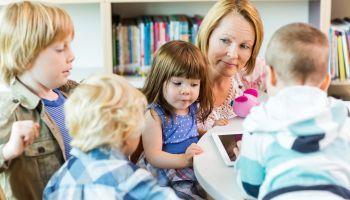 Curso Gratuito Experto en Literatura Infantil y Juvenil Actual + Cuentos en Educación Infantil. Los Cuentacuentos (Doble Titulación + 4 Créditos ECTS)